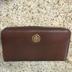 Tory Burch ZIP around brown Wallet